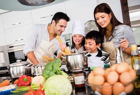 Sodelovanje pri pripravi hrane